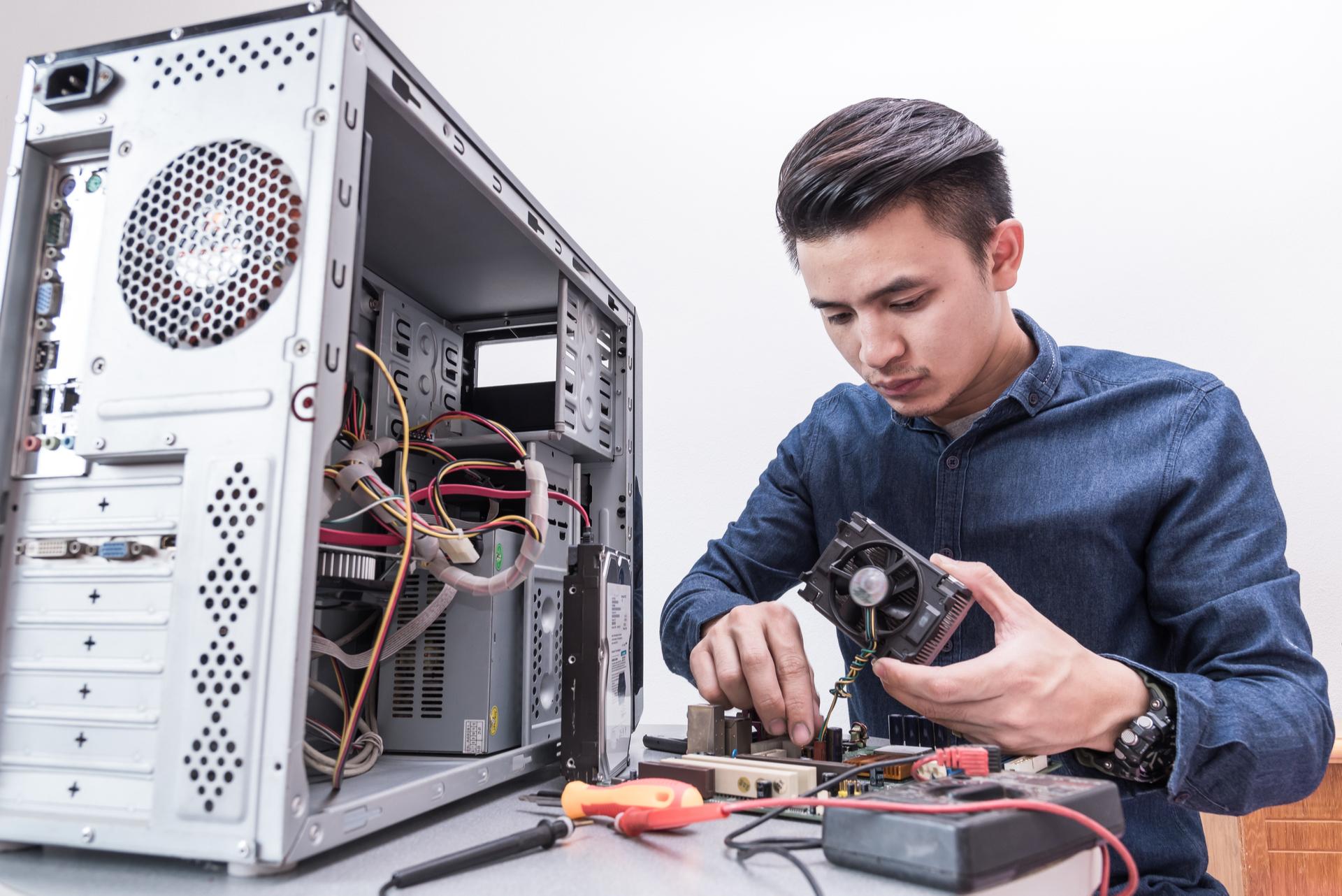 computer-repair-technicians